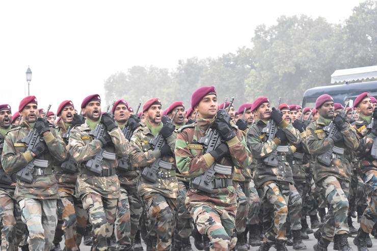 6 suludih vozila koje koriste indijske oružane snage koje ih drže u stanju borbe 24 sata dnevno